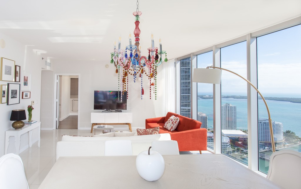 Million Dollar Views of the Bay from Corner Apartment. Icon Residences, Brickell, Miami