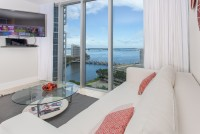 Bay Views from 'Miami Chic' Corner Property. Fully equipped. Free SPA. WI-FI. Brickell, Miami