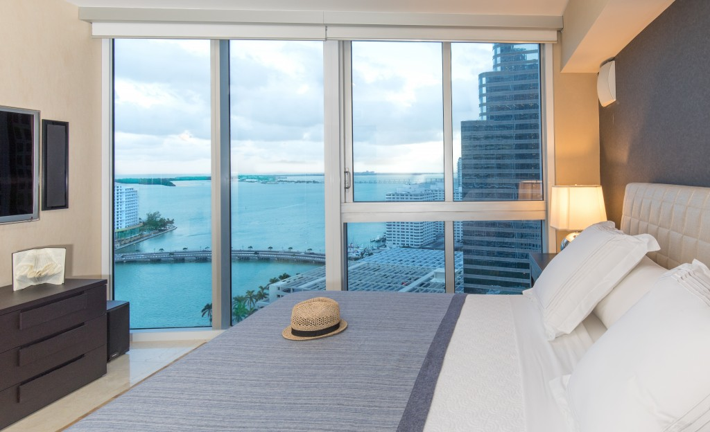 Front Ocean Views in Exquisite Corner Apartment. Brickell, Miami