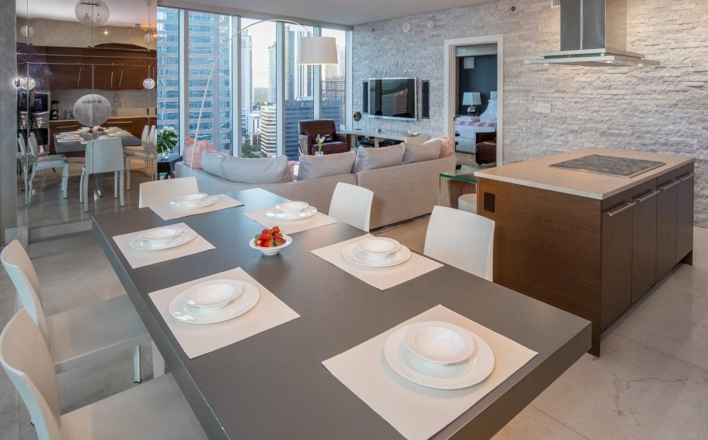 Front Ocean Views in Exquisite Corner Apartment. Brickell, Miami