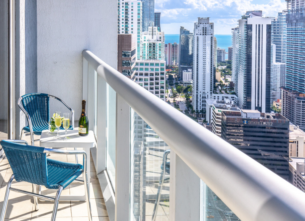 Luxe at the Heart of Miami in Icon Brickell. Best Urban Resort, Free SPA, Gym.