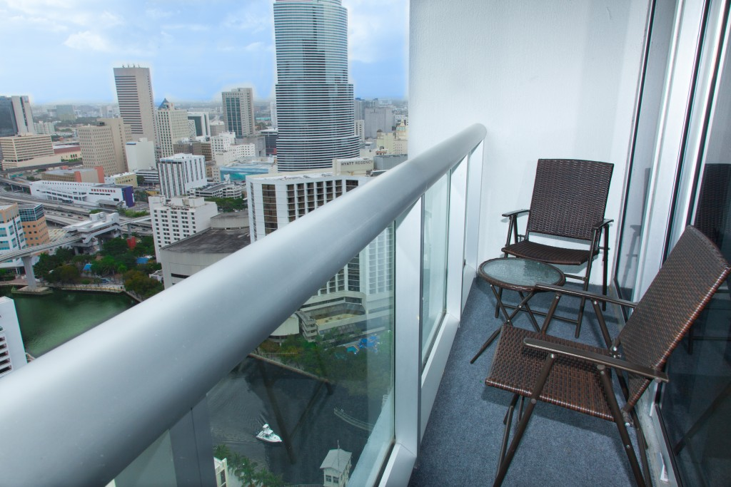 River Views, Location, Beautiful, 50mb Internet, Fully Equipped, Smart TV. Brickell, Miami
