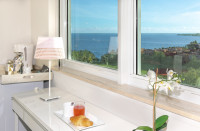 Stunning Views in Stunning Room. Look at the pictures!