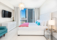 Overlooking the Ocean, Just Remodeled Large 2/2 Unit. Well Equipped, Location! Brickell, Miami