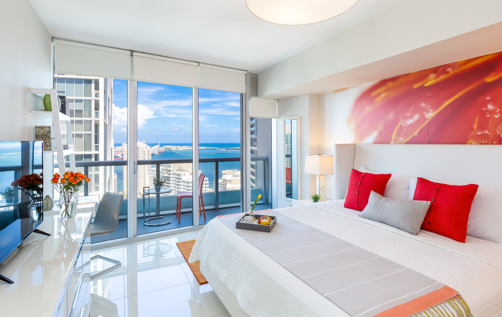 Bay and City Views from High Floor at W Residences, Brickell, Miami. Free SPA, Sauna, WI-FI,