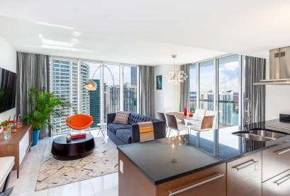45 Floor, Great River & Sea View From Corner Condo Above Icon Residences, Brickell, Miami