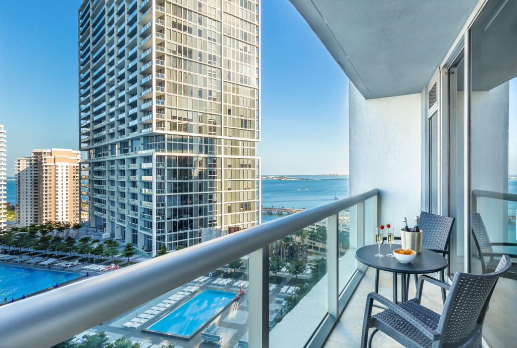 Sea, Pool, River Views at the Best Place in Miami, Icon Brickell, Miami