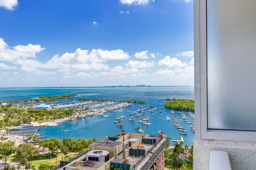 New Studio for 4, Balcony, Kitchenette, Free Pool & Parking. Arya, Miami