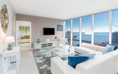 Front Bay View and City View. Newly refurbished Apartment at W Private Residences, Brickell, Miami