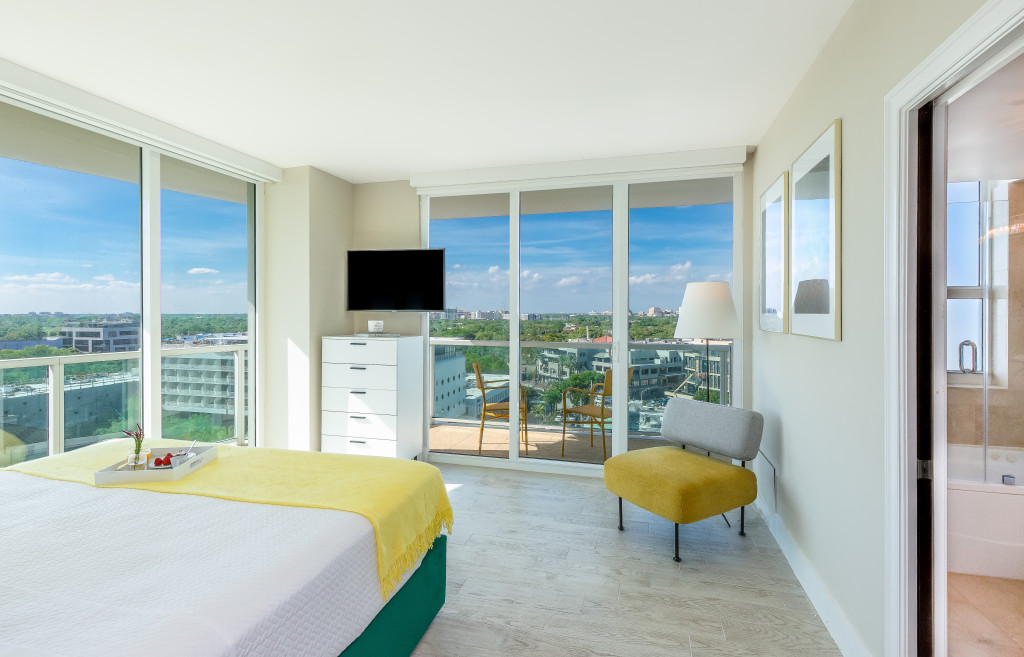 Stunning Views. Free Pool, Park, Gym. Private Luxury Residence at Hotel Arya, Miami