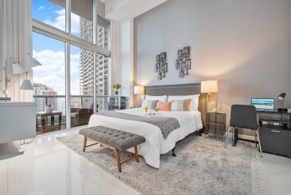 Sea, Pool, River Views at the Best Place in Miami, Icon Brickell, Miami
