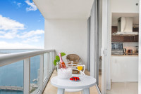 NEW!! High Floor, Miami River and Bay view. Icon Brickell Residences