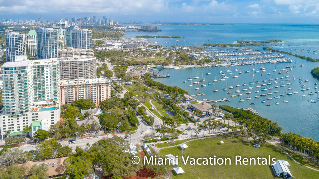 Stunning Bay and Park Views. Private 2BR/2BA Unit, Hotel Arya Coconut Grove, Miami