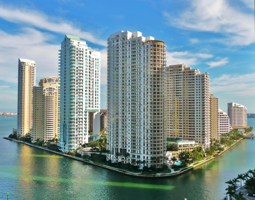 Great Views to the Miami River and the Biscayne Bay. Brickell, Miami